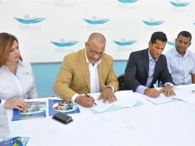 Firman acuerdo en complejo acuático-thumb